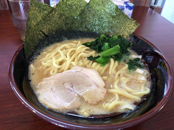 「豚骨醤油ラーメン(680円)」@横濱家系ラーメン 茜家の写真