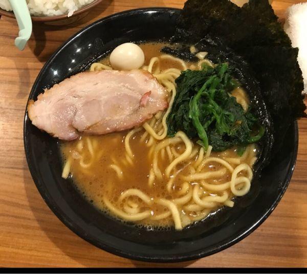 「ラーメン ¥680」@横浜家系 小田原商店 マックスの写真
