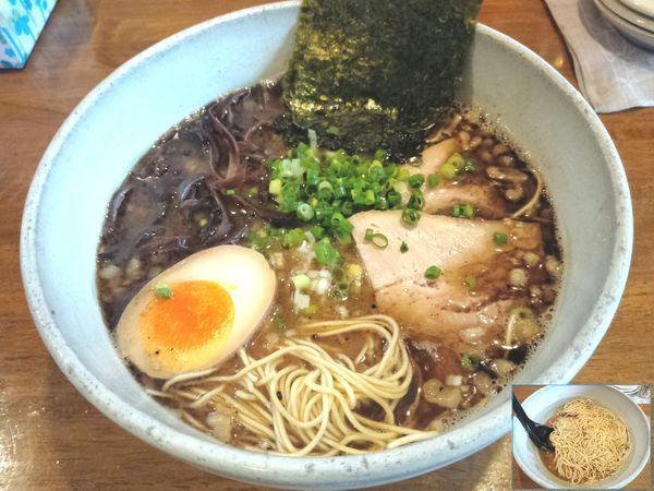 「黒豚骨らーめん(極細麺) ¥840」@豚骨らーめん いちご家の写真