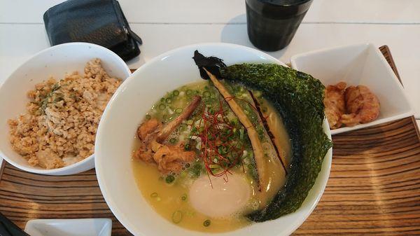 「濃厚鶏白湯ラーメン 鶏白 900円+鶏づくし350円」@麺心 風見鶏の写真