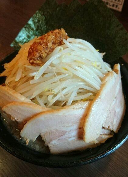 「ふじ麺+小ブタ」@山勝角ふじ 京成大久保店の写真