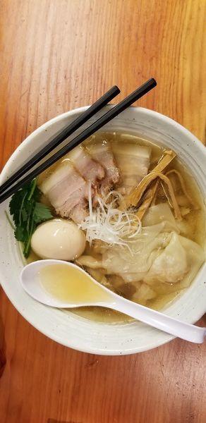 「特性塩ラーメン(大盛)」@純手打ち 麺と未来の写真