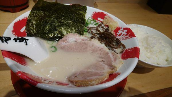 「白豚骨、替え玉、無料ご飯」@大名古屋一番軒の写真