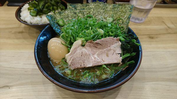 「九条ネギラーメン 780円」@横浜ラーメン 武蔵家 西千葉店の写真