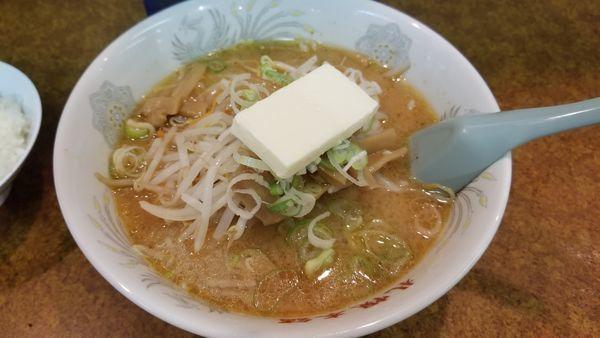 「味噌バターラーメン」@札幌本舗の写真