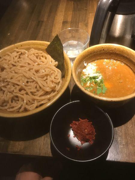 「海老つけ麺大 味玉 辛味」@つけ麺 花みずきの写真