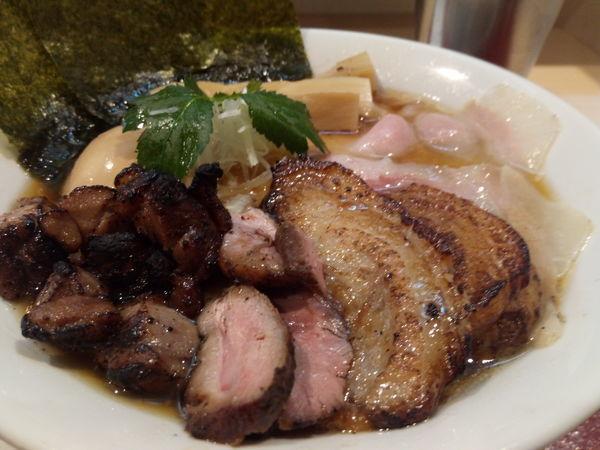 「特製紀州鴨そば+イベリコ豚チャーシュー」@燃えよ麺助の写真