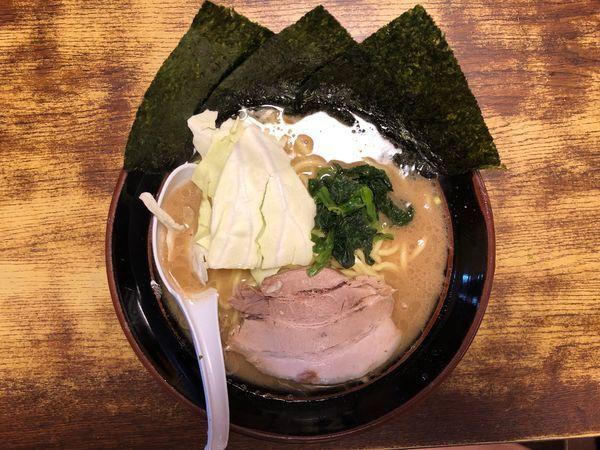 「豚骨醤油ラーメン(中)」@らあめん 寸八 総本店の写真