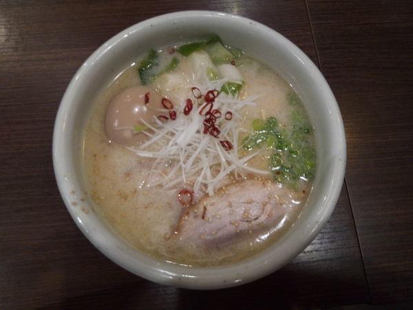 「青唐仕立ての塩とんこつラーメン」@らーめん 山頭火 越谷イオンレイクタウン店の写真