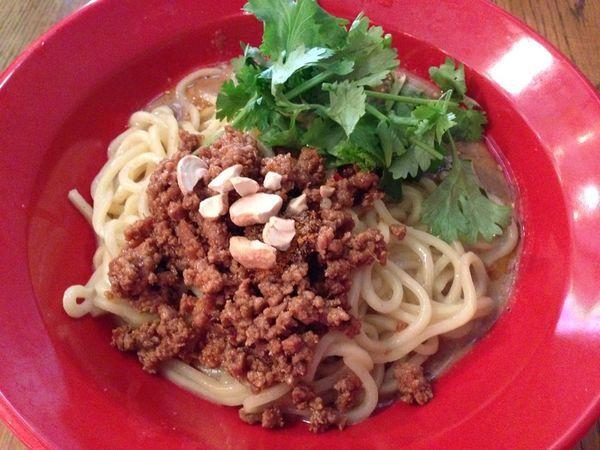 「汁なし坦々麺」@タカンタ食堂の写真