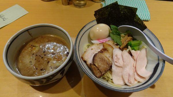 「特製濃厚魚介つけ麺(1,160円)」@銀座 朧月 鶏処の写真