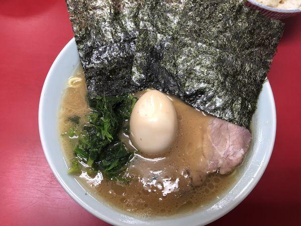 「ラーメン+味玉」@横浜家系ラーメン 末広家の写真