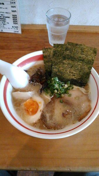 「豚骨味玉細麺 650円 ラーパス特典 替玉」@とんこつラーメン 光★MENJIの写真