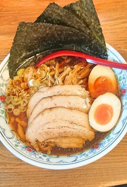 「特製醤油らー麺(普通盛)」@くじら食堂の写真
