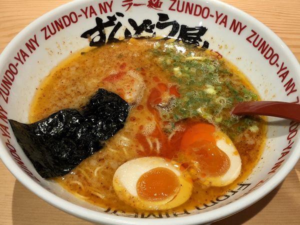 「味玉HOTらーめん」@ラー麺 ずんどう屋 心斎橋店の写真