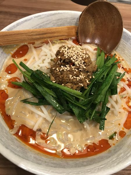 「濃厚白ゴマ坦々麺 2辛」@らーめん YuToRiの写真