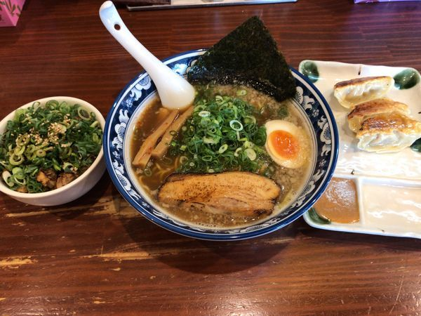 「醤油ラーメン700円 ランチAセット300円」@麺屋いつきの写真