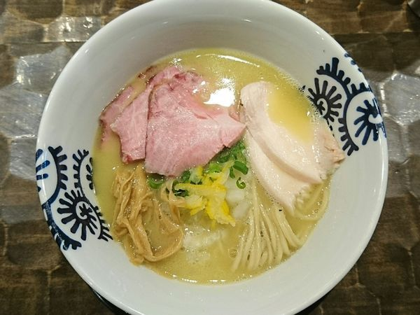 「純鶏そば」@特級鶏蕎麦 龍介の写真