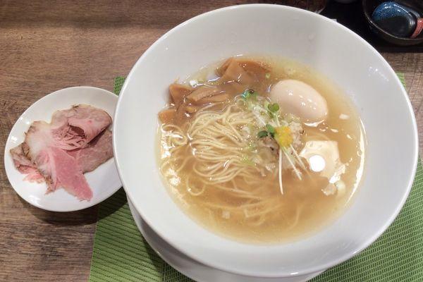 「鯛塩そば(淡麗)+味玉 920円」@狐狸丸の写真