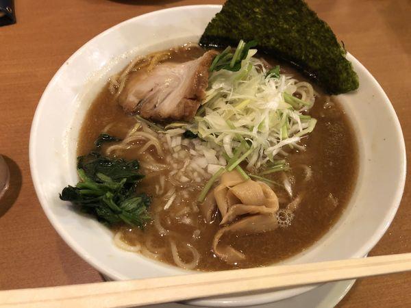 「煮干し豚骨(大盛)」@横浜らーめん桜花の写真
