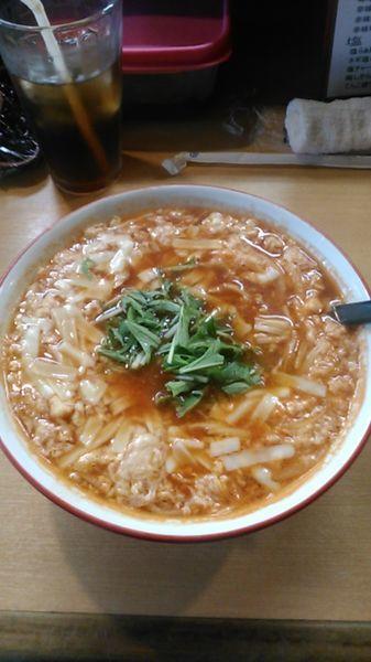 「とまとチーズらぁ麺 880円 ラーパス特典 ウーロン茶」@うなりの写真