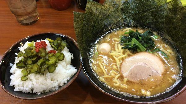 「らーめん」@横濱家系ラーメン 町田商店 本店の写真