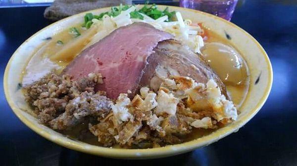 「贅沢濃厚味噌らぁ麺(味玉入り・並)1,100円」@みそ味専門マタドールの写真