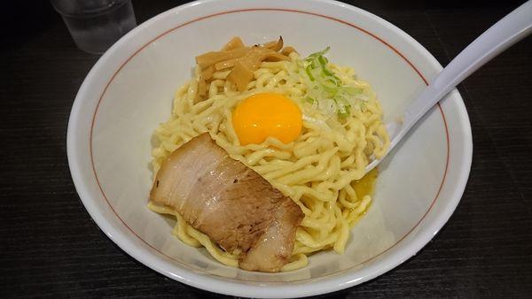 「限定・地鶏の脂の油そば(800円)大盛り(100円)」@三鷹食堂いなりの写真