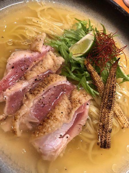 「【限定】阿波尾鶏のたたき冷やし」@醤油と貝と麺そして人と夢の写真