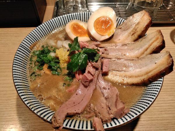 「ラム煮干中華そば」@自家製麺 MENSHO TOKYOの写真