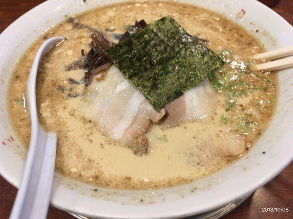 「豚骨醤油ラーメン」@二代目 哲麺 八王子店の写真