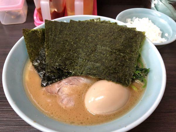 「味玉のり増しらーめん」@横浜家系らーめん 大久保家の写真