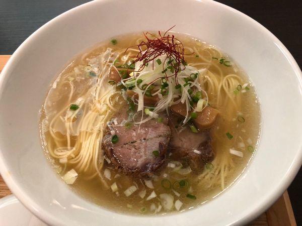 「豚骨清湯拉麺」@豚骨清湯・自家製麺 かつらの写真