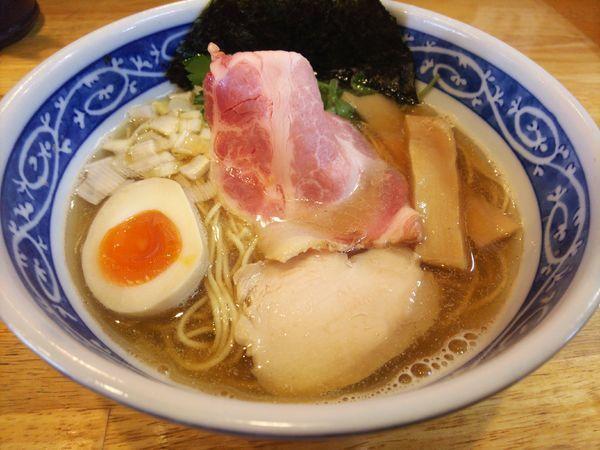 「煮干しそば、白醤油690円」@寿製麺よしかわ 坂戸店の写真