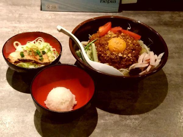 「四川風まぜそば(中盛・250g)750円+まかない丼150円」@麺処湊生の写真