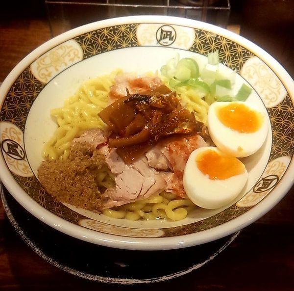 「煮干まぜそば」@すごい煮干ラーメン凪 渋谷東口店の写真