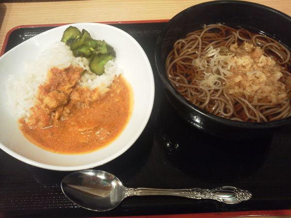 「朝定食C(半そば+半カレー) 450円」@よもだそば 名古屋うまいもん通り広小路口店の写真