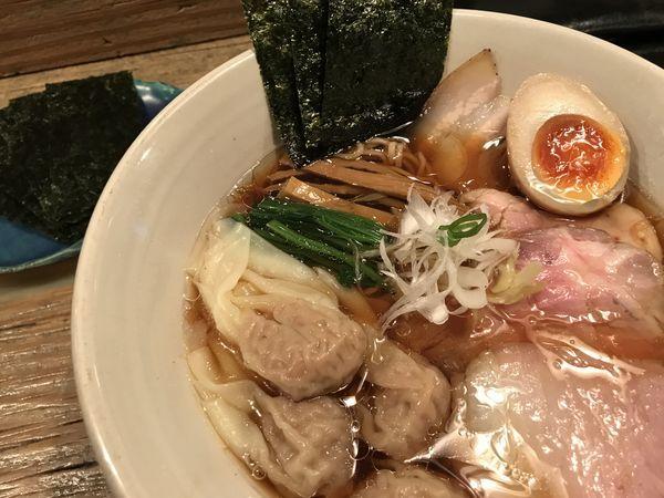「特製醤油らあめん 肉ワンタン 海苔 1,440円」@Homemade Ramen 麦苗の写真