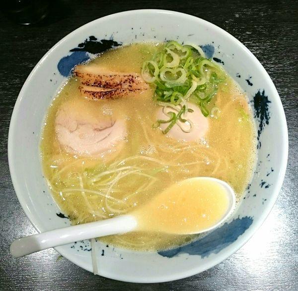 「濃厚鶏そば 味玉」@自家製麺 鶏そば 三歩一の写真