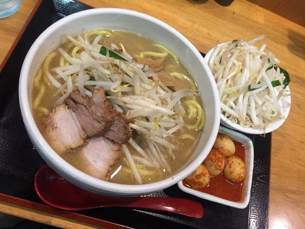 「味噌ラーメン800円(野菜大盛)他」@味噌麺処 花道の写真