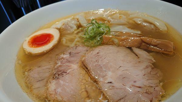 「塩ワンタン麺」@らあめん吟の写真