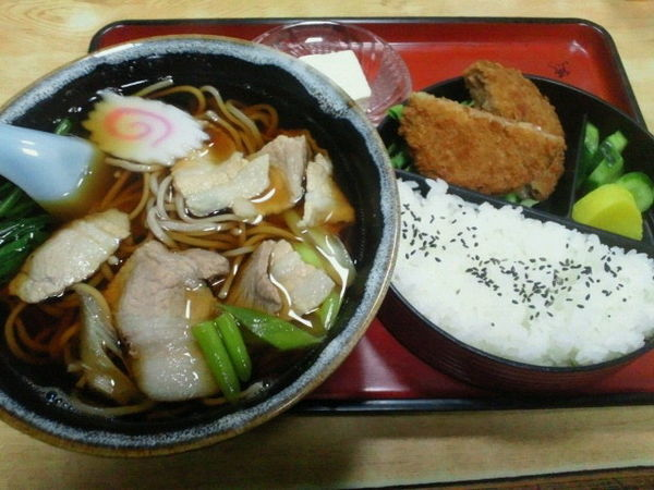 「肉そば定食 800円」@奈可゛島食堂の写真
