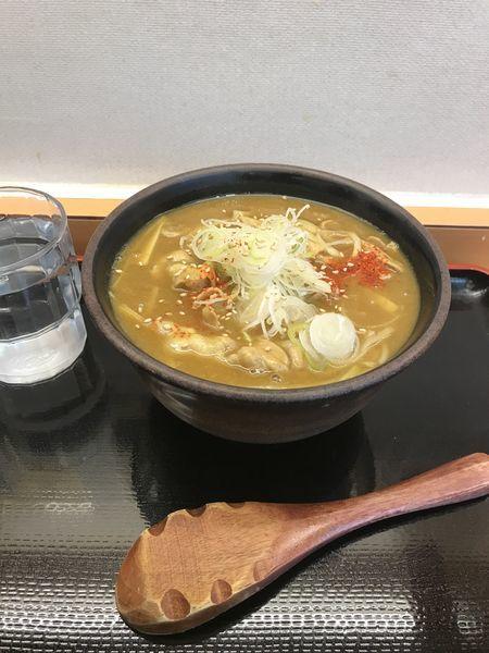 「カレー南蛮そば 550円」@かのや 新宿西口店の写真