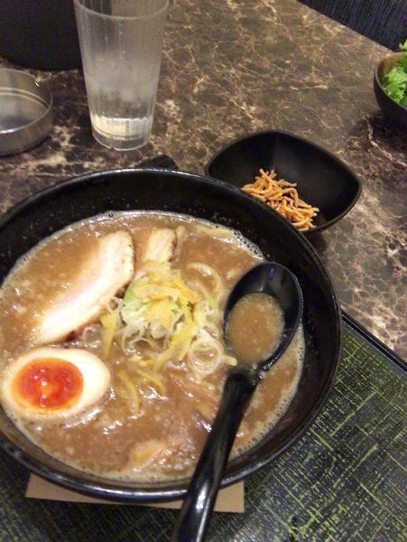 「ゆず魚介豚骨ラーメン」@麺匠 竹虎 新宿店の写真