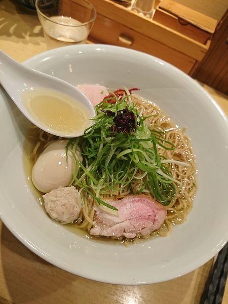 「味玉塩そば(細麺)+焼売」@饗 くろ㐂の写真