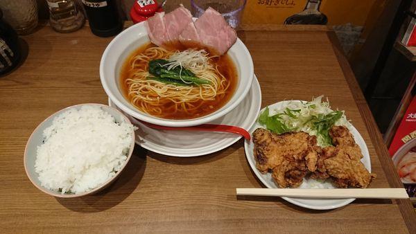 「ラーメンからあげセット」@びじねす食堂の写真