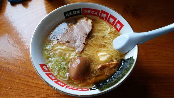 「塩バターラーメン¥750-+地鶏の煮玉子¥100-」@中華そば 阿波家の写真