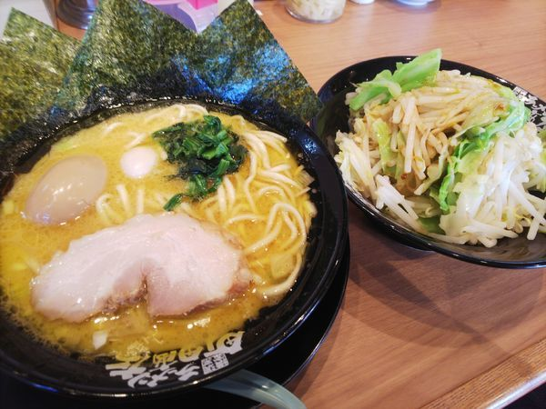 「ラーメン醤油+もやきゃべ」@町田商店 山際店の写真