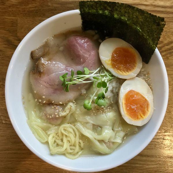 「塩ワンタン麺 ¥850円(味玉サービスCP)」@中華そば JUN-CHANの写真