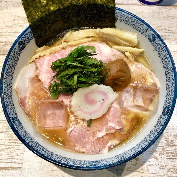 「【気まぐれ限定】大葉と南高梅の冷し煮干しそば ¥900」@中華そば 四つ葉の写真